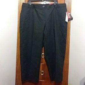 Rafaella Pants - ❤FinalSale*Nwt Black slimming Capri's size 20W